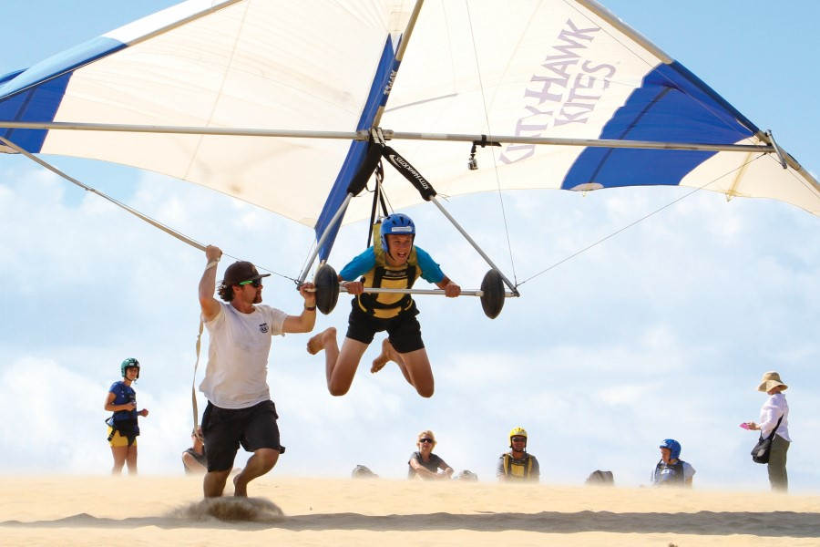 hang gliding on jockeys ridge