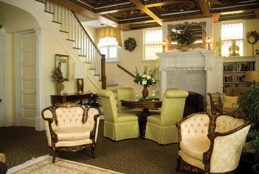 Granville Queen Front Room