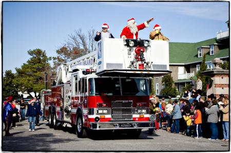 Manteo's Big Little Town Christmas Parade