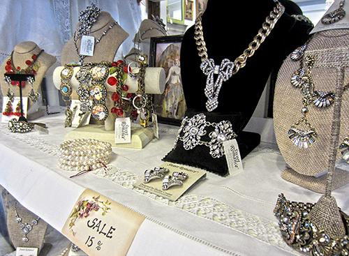 Muzzie's Fine Jewelry and Gifts