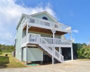 Hill Top Haven - Stan White Realty and Construction