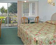 2 Queens Or 1 King  - Ocracoke Harbor Inn