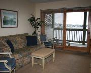 1 Bedroom Suites - Captain's Landing Waterfront Inn
