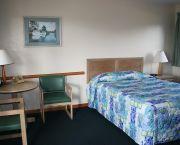 Queen W/kitchenette - Pony Island Motel