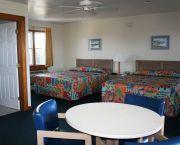 2 Queen Beds - Pony Island Motel
