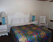 Queen Room - Dare Haven Motel
