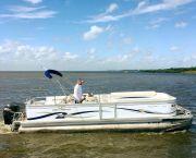 Pontoon Family Fishing/crabbing - Corolla Bait and Tackle