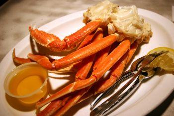 Black Pelican Oceanfront Restaurant, Snow Crab Legs