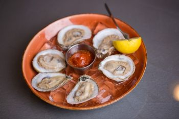 Two Roads Tavern, Raw Oysters