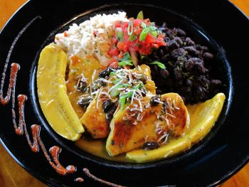 Goombays Grille & Raw Bar, Curry Chicken or Shrimp