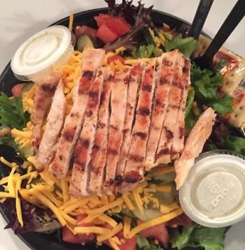 Poor Richard's Sandwich Shop Manteo, GRILLED CHICKEN BREAST SALAD