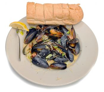 Dirty Dick's Crab House, Sauteed Mussels