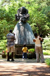Queen Elizabeth I statue at The Elizabethan Gardens in Manteo, NC