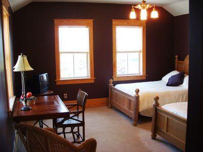 Sandpiper room at Cameron House Inn