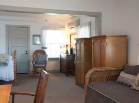 Margery Harvie room at First Colony Inn