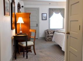Thomas Ellis room at First Colony Inn