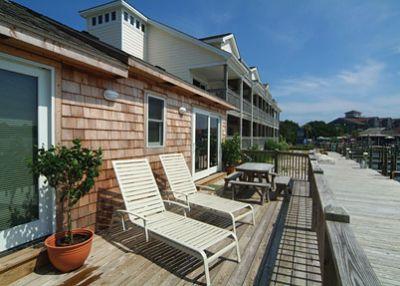 Waterfront deck at Captain's Cottage - Captain's Landing