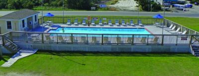 Outdoor pool at Pony Island Motel