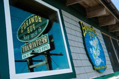 Howard's Pub photo